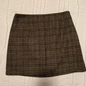Cream and black plaid skirt